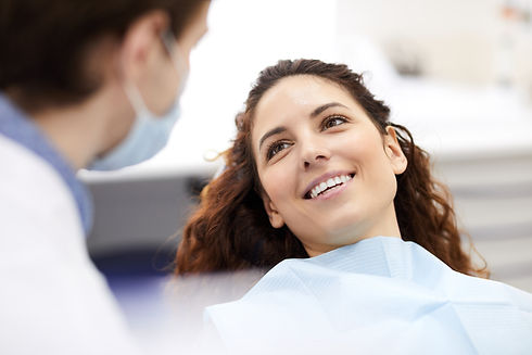 beautiful-woman-in-dentists-chair-WC925K
