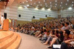 興大惠蓀講座28日邀請吳念真演講,吸引近5百位滿場聽眾到場聆聽.jpg