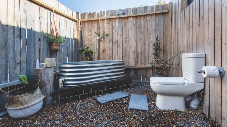 Farmstead Farmstay Outdoor bathroom