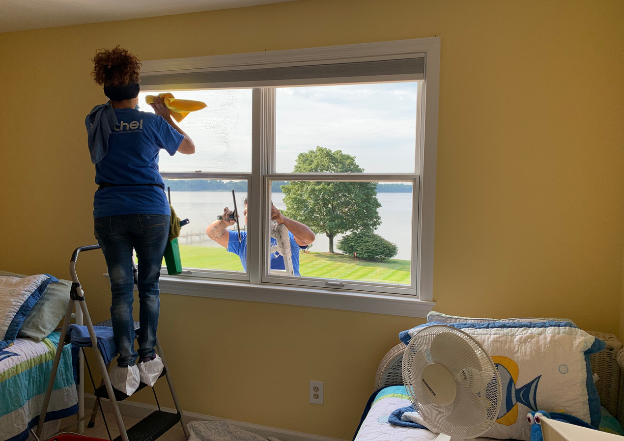 Residential window cleaning chesapeake m