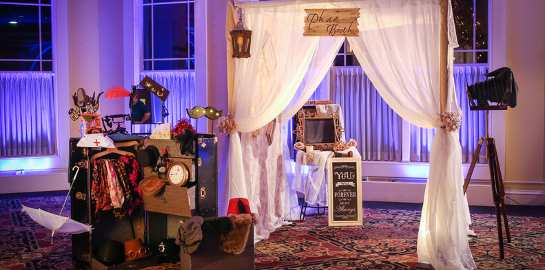 The Vintage Booth