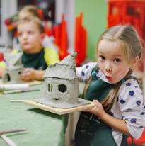 """На уроке керамики и лепки в художественной школе """"ЯсноЯрко"""""""