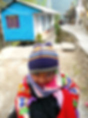 photographe francais french photographer travel photography photographie voyage light colorful colourful couleurs angle beauty composition perspective people local portrait street locaux little girl winter trek trekking hike hiking nepalese nepal annapurna pokhara base camp