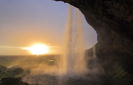 photograhe francais french photographer travel photography photographie voyage landscape paysage waterfall cascade sunset iceland islande seljalandsfoss
