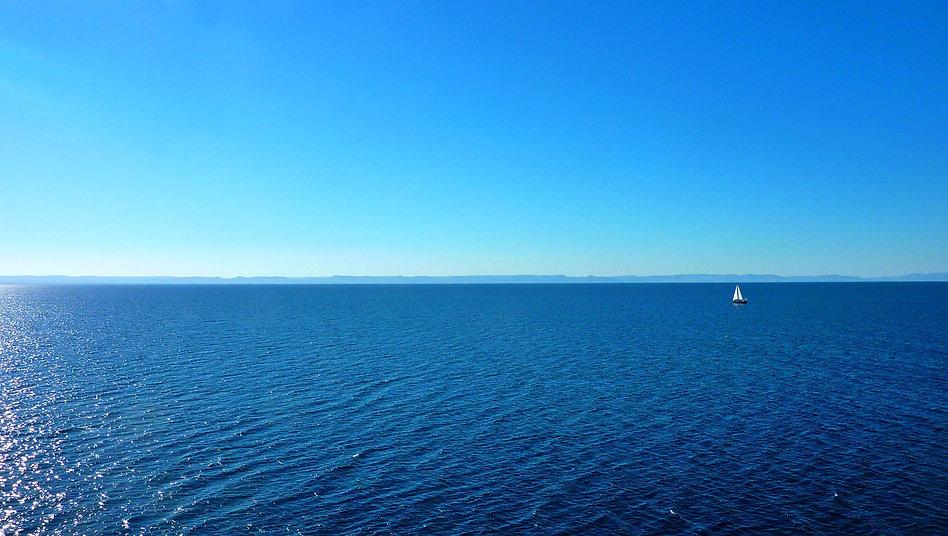 photograhe francais french photographer travel photography photographie voyage landscape paysage seascape Mar de Cortés mexico mexique boat voilier bateau blue bleu sea ocea