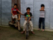 photographe francais french photographer travel photography photographie voyage light colorful colourful couleurs angle beauty composition perspective people local portrait street locaux children kids filipino poor handmade hand made bicycle velo philippines luzon island banaue