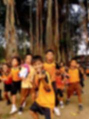 photographe francais french photographer travel photography photographie voyage people local portrait street locaux tree school boys girls children indonesia indonesie java yogyakarta