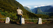 photographe francais french photographer travel photography photographie voyage landscape paysage paysaje people mountains montagnes gree vert la reunion ile island valley road route reunionais