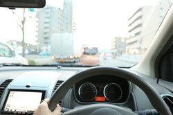 自動車教習所で危険予知や事故を疑似するトレーニングVR