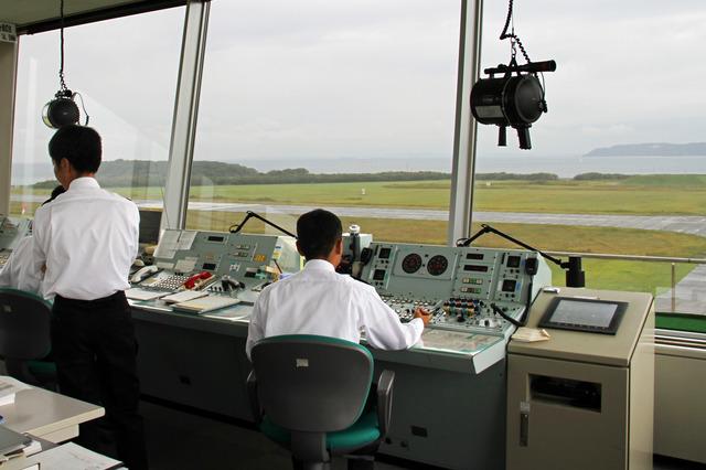 管制塔で働く管制官の仕事を紹介するプロモーションVR