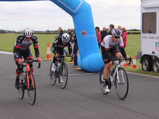 Bobby Brooks wins the FP15 Handicap RR