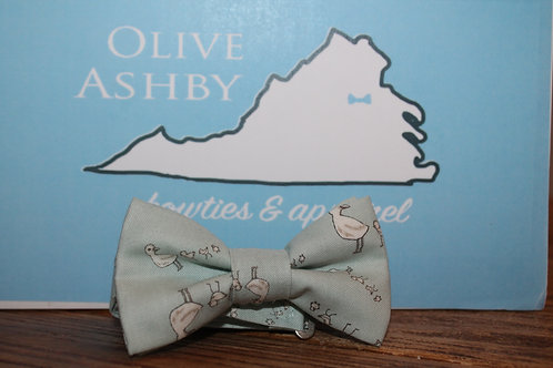 Boys and Men's self-tie bow tie Silver Sage with a Mama duck