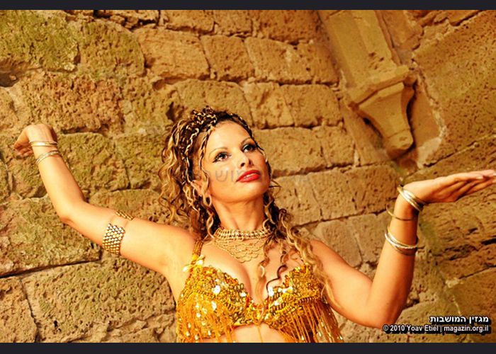 רקדנית בטן - רונה