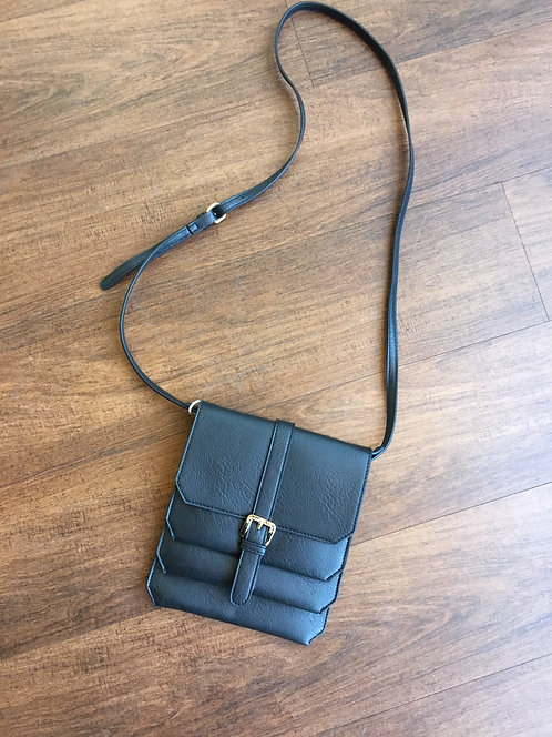 4 pocket crossbody bag