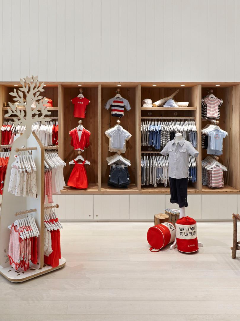 Retail design - custom design - timber floor boards