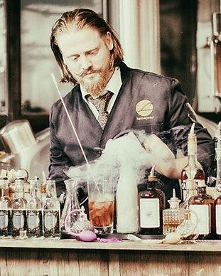 MOORDESTILLERIE-Signature-Drinks-Peter-A