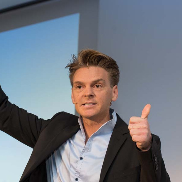 Unglaublich guter Keynote-Speaker und langjähriger Geschäftspartner