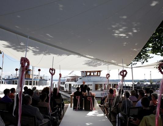 Freie Zeremonie am See