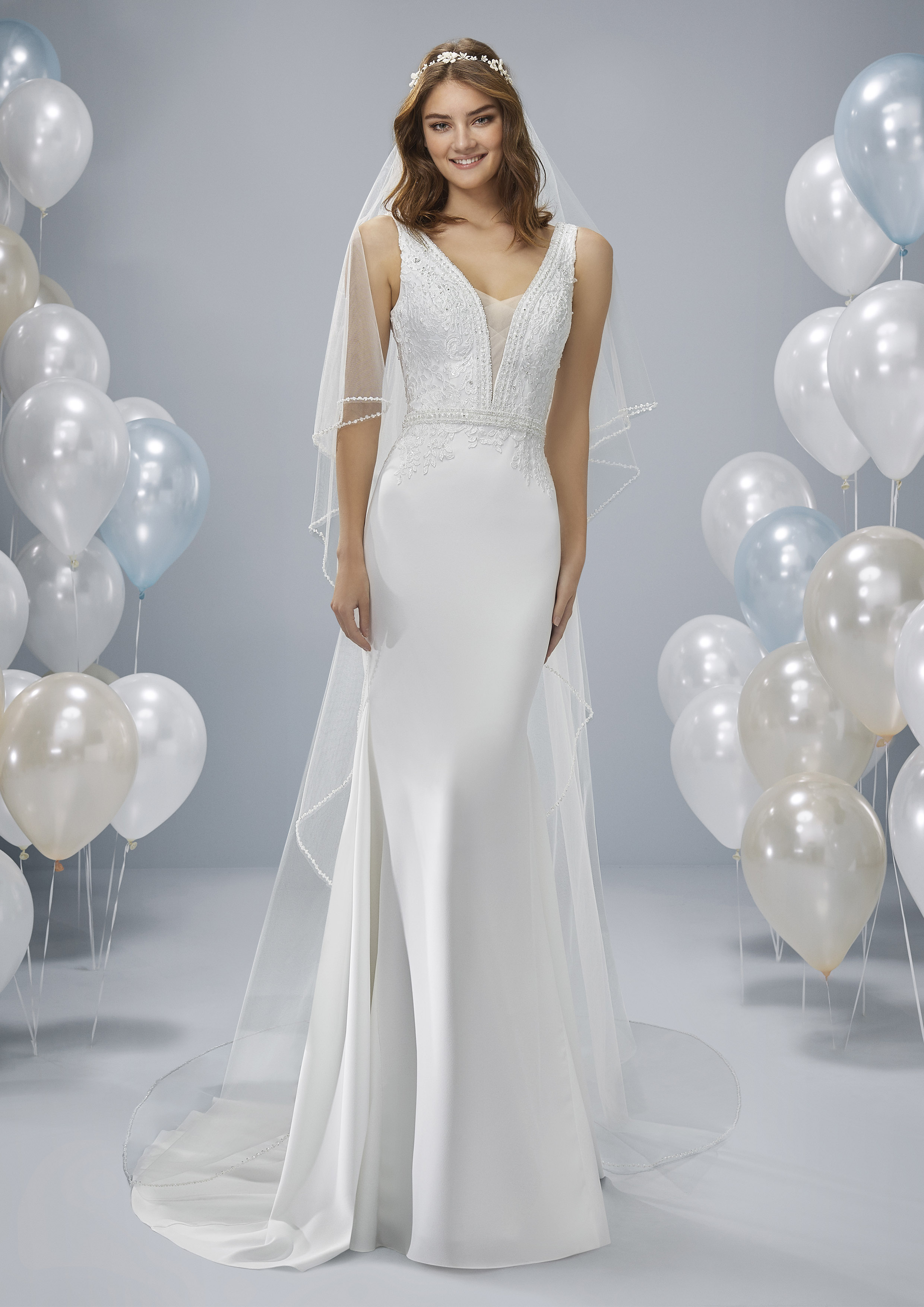 Pronovias White One Ober... £999