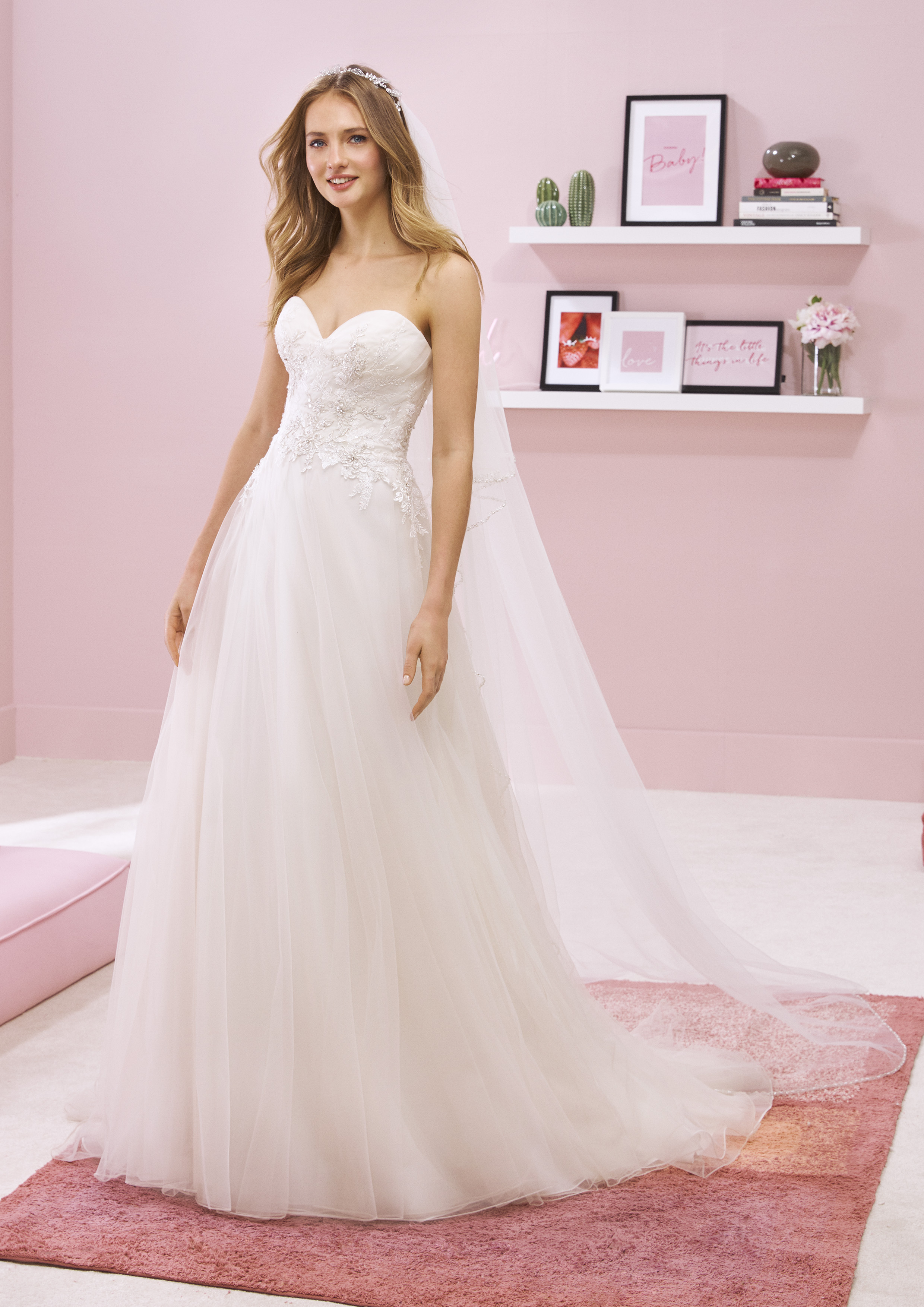 Pronovias White One Kehlani