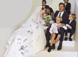 Brad and Angelina Tie the Knot.... at last!