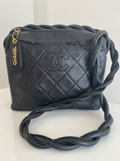AUTHENTIC CHANEL VINTAGE QUILTED CAMERA LEATHER TWIST STRAP
