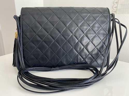 AUTHENTIC CHANEL QUILTED VINTAGE FLAP LEATHER STRAP BAG