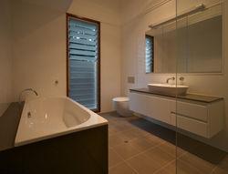 Victoria Cres bathroom2.jpg