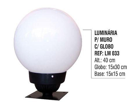 Luminária Colonial para Muro em Alumínio com Globo em Vidro LM 033