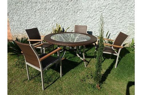 Conjunto de Mesa e Cadeiras Alplínia