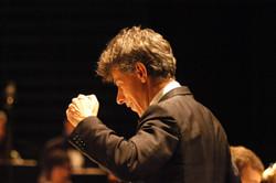 Jan Latham Koenig(ジャン レイサム ケーニック)指揮