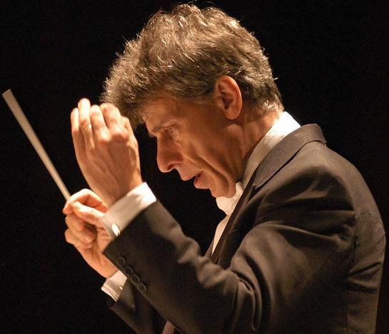 英国人指揮者 ジャン・レイサム=ケーニック