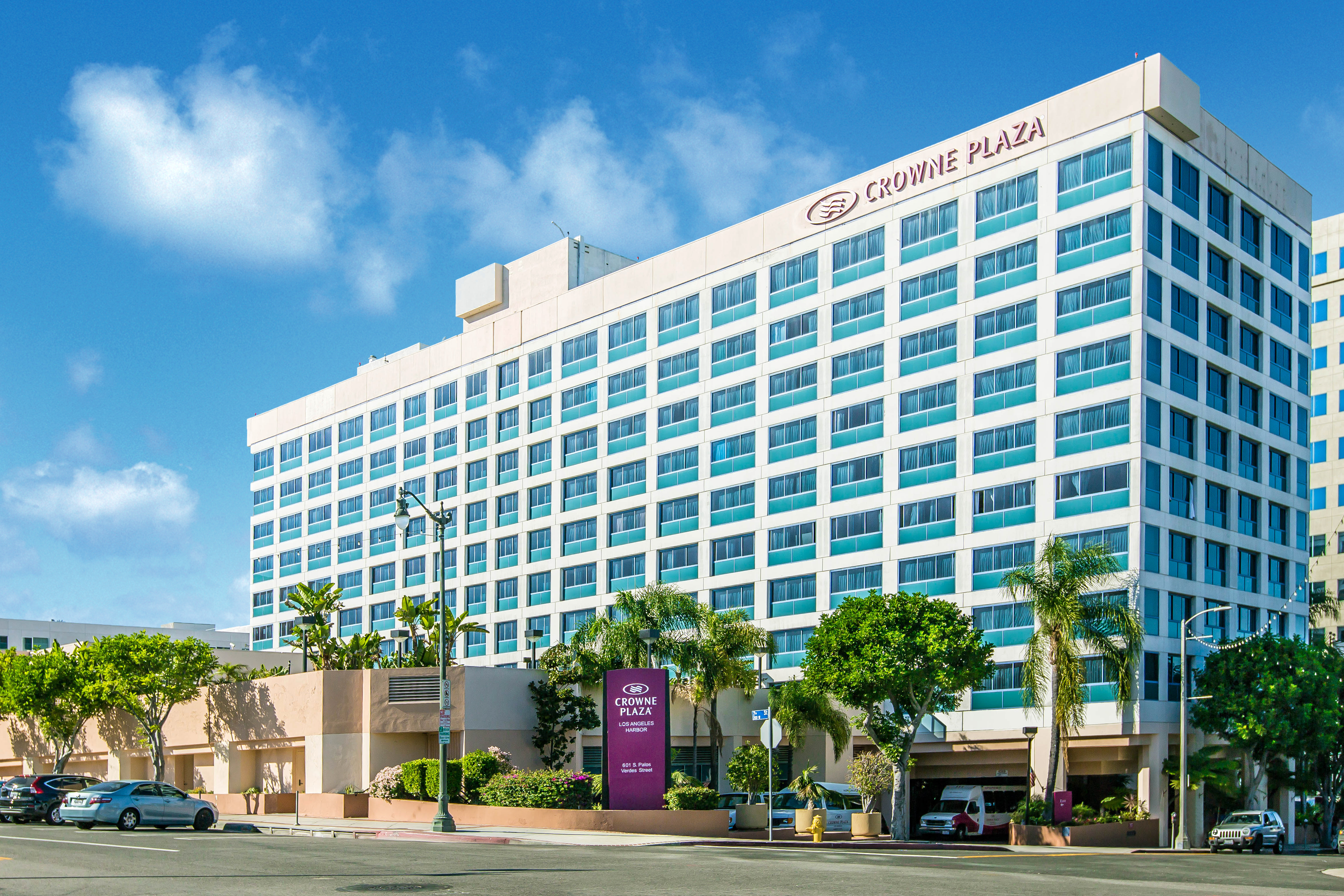 Crowne_Plaza_San_Pedro_Real_Estate_001