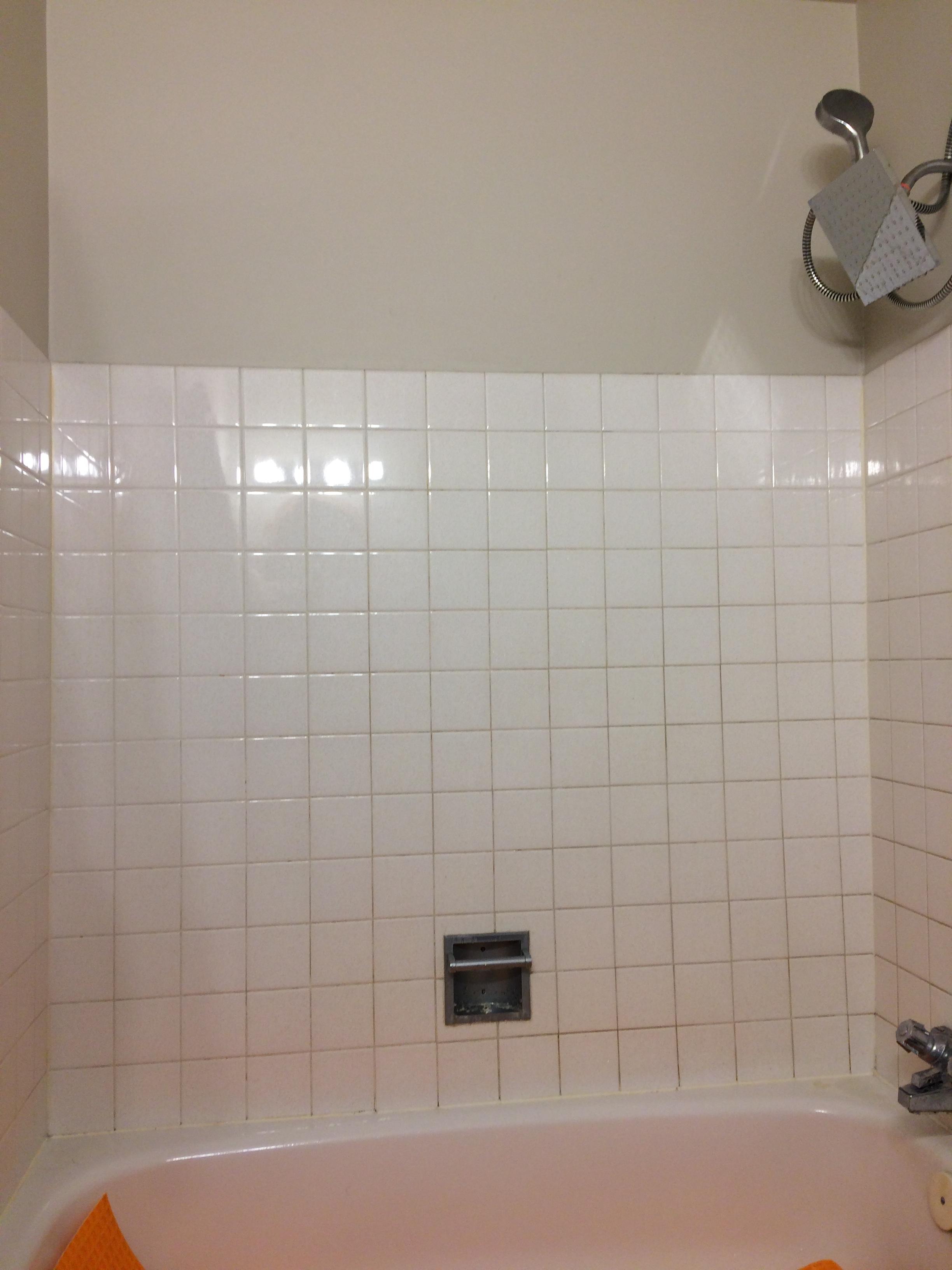 Bathroom tub surround reno (before)