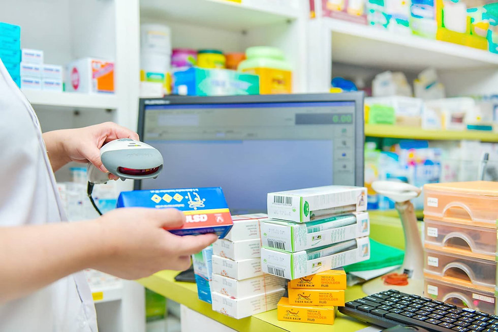 Amplio_Recetario_Computarizado_En_La_Farmacia_Zulyer_Pharmacy.jpg