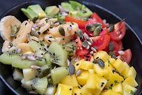 The Veggie- poke Bowl frutas y verduras