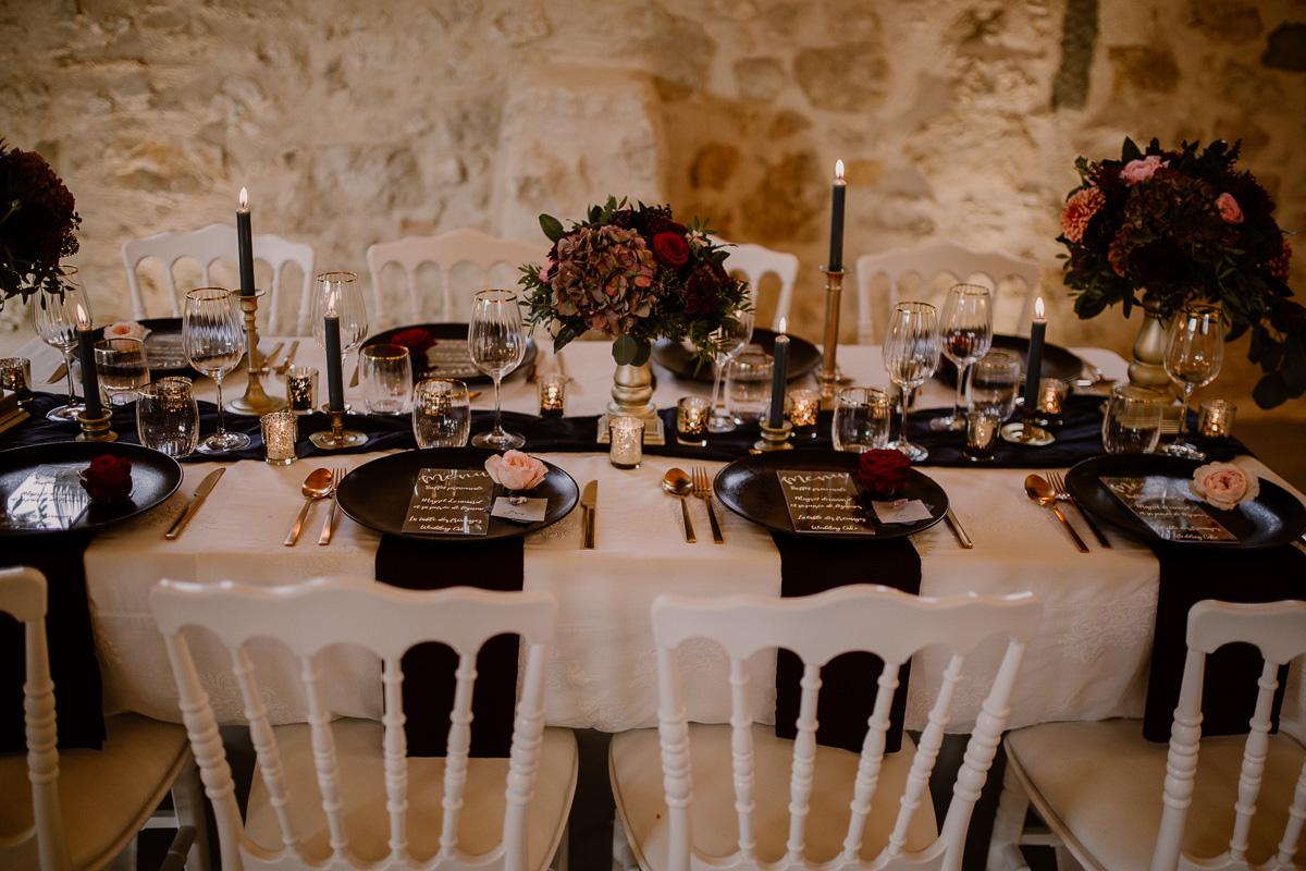 Maison des Apôtres Salle_Table © Ayna Ph