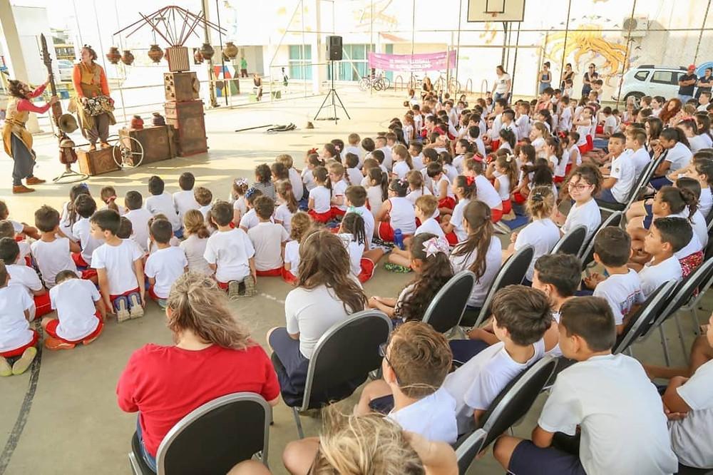 Foto da apresentação do espetáculo Para Contar Estrelas em Içara/SC. Crédito: divulgação do grupo.