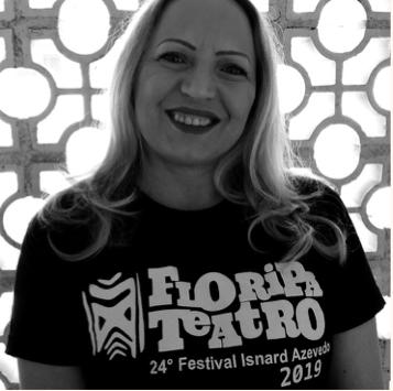 A atriz, diretora e coordenadora do Festival Isnard Azevedo, Sulanger Bavaresco. Foto: Júlia Bavaresco