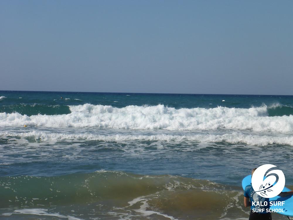 waves in Kissamos, Crete, surfing