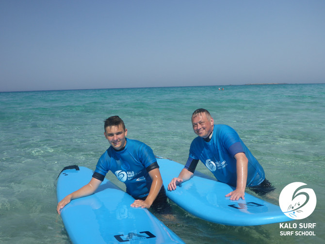 The Early Bird surfs in Crete
