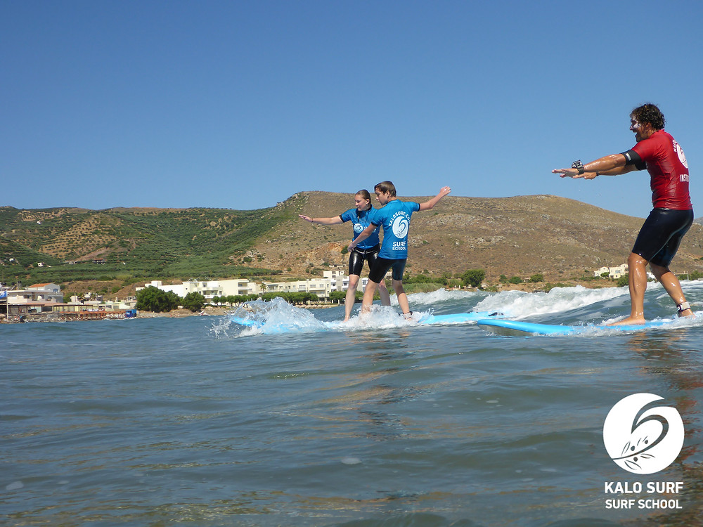 party wave, surfing together in Crete