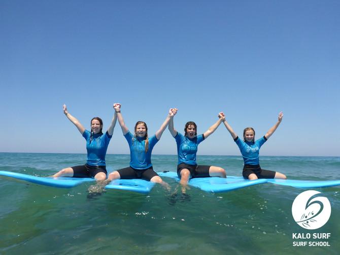 Wellenreiten auf Kreta bei Kalo Surf Kissamos