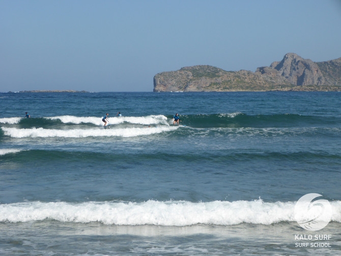Wellenreiten auf Kreta am Riff