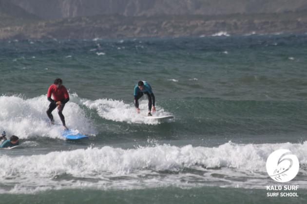 Wellenreiten am Riffbreak für Intermediates in Griechenland