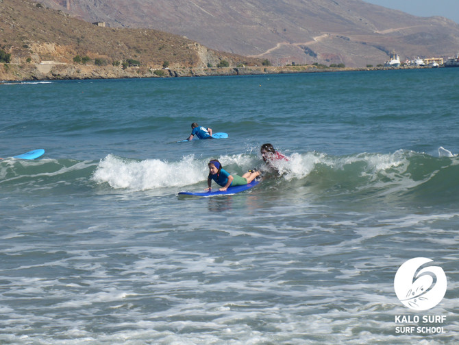 Ride and Glide - Surfing in Crete - morning