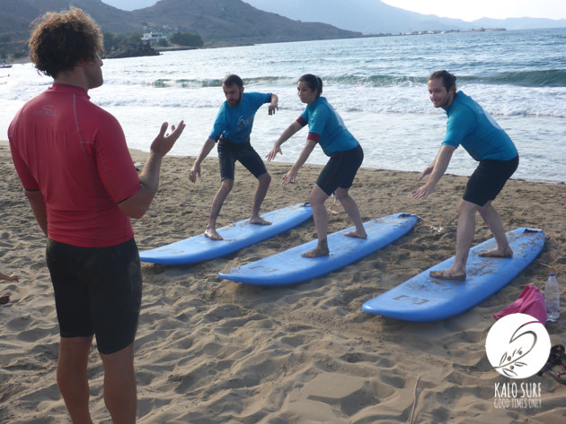 Surf group working on the correct position