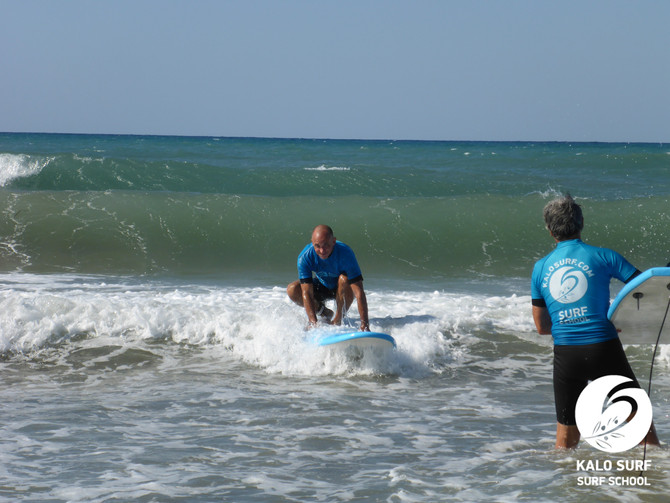 Afternoon surfing with great waves in Kissamos