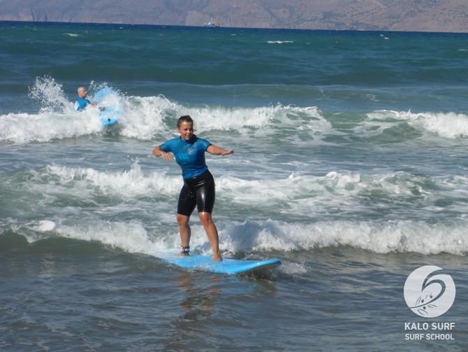 Wellenreiten im Mittelmeer, bei uns auf Kreta