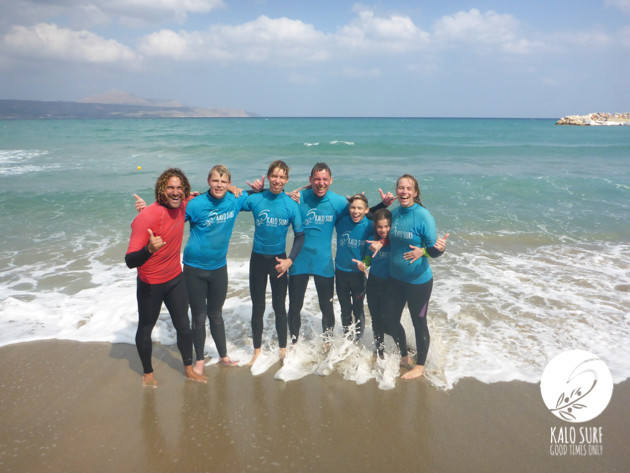 Gruppenfoto, Surfkurs, Strand und Wellen
